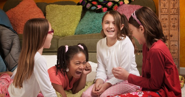 girls_sleepover_slumber_party_0